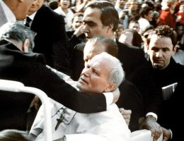 Czy Jan Paweł II był jedyną ofiarą wydarzeń z 13 maja 1978 roku?
