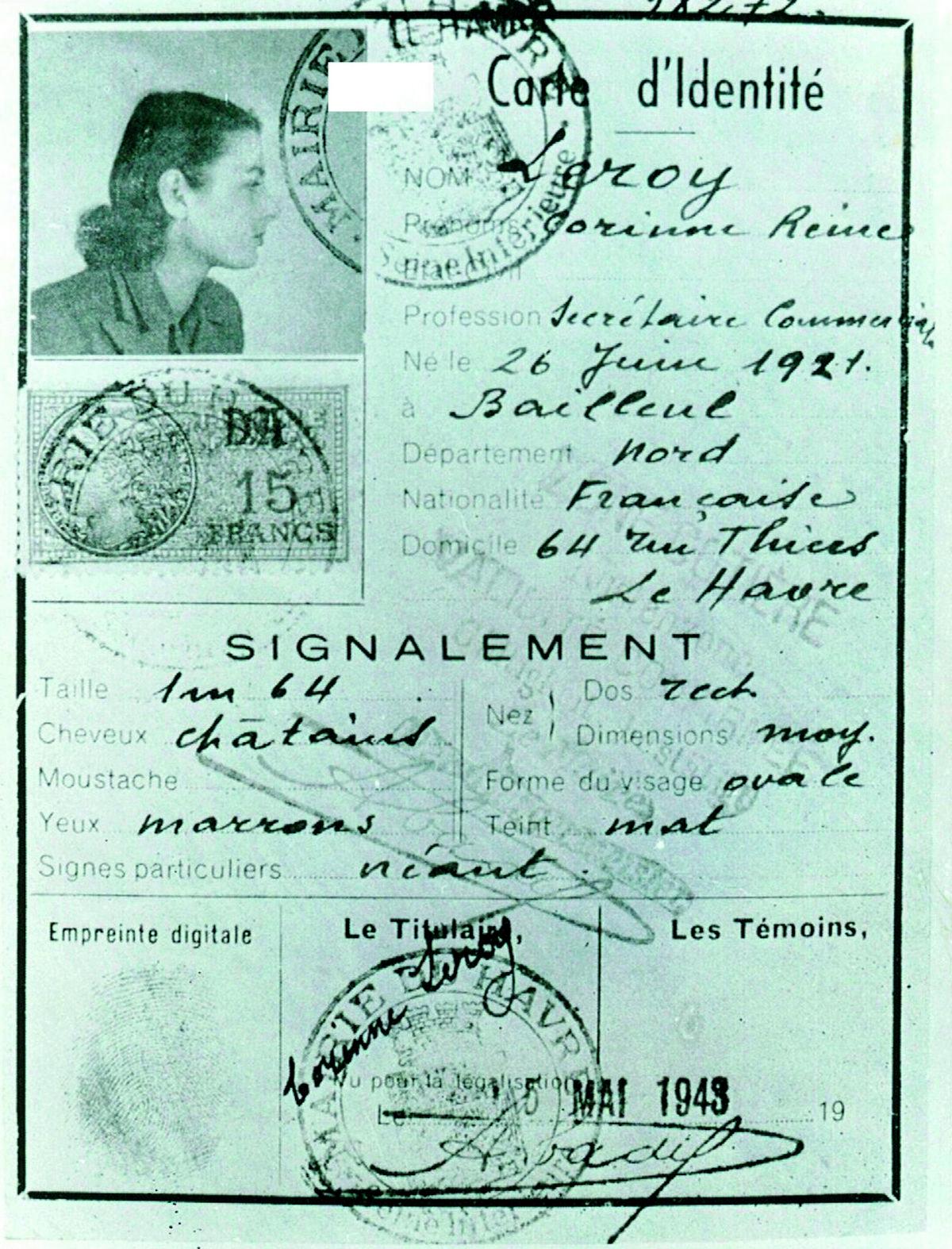 """Fałszywy francuski dokument tożsamości na nazwisko Corinne Reine Leroy, którego Szabó używała podczas pierwszej misji wywiadowczej we Francji w kwietniu 1944 roku. Zdjęcie i podpis z książki """"Piękna i odważna"""" (Bellona 2017)."""