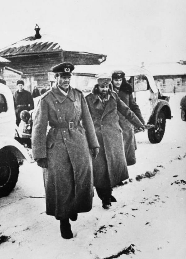 Zdjęcie Paulusa wykonane w momencie, gdy trafił do sowieckiej niewoli.