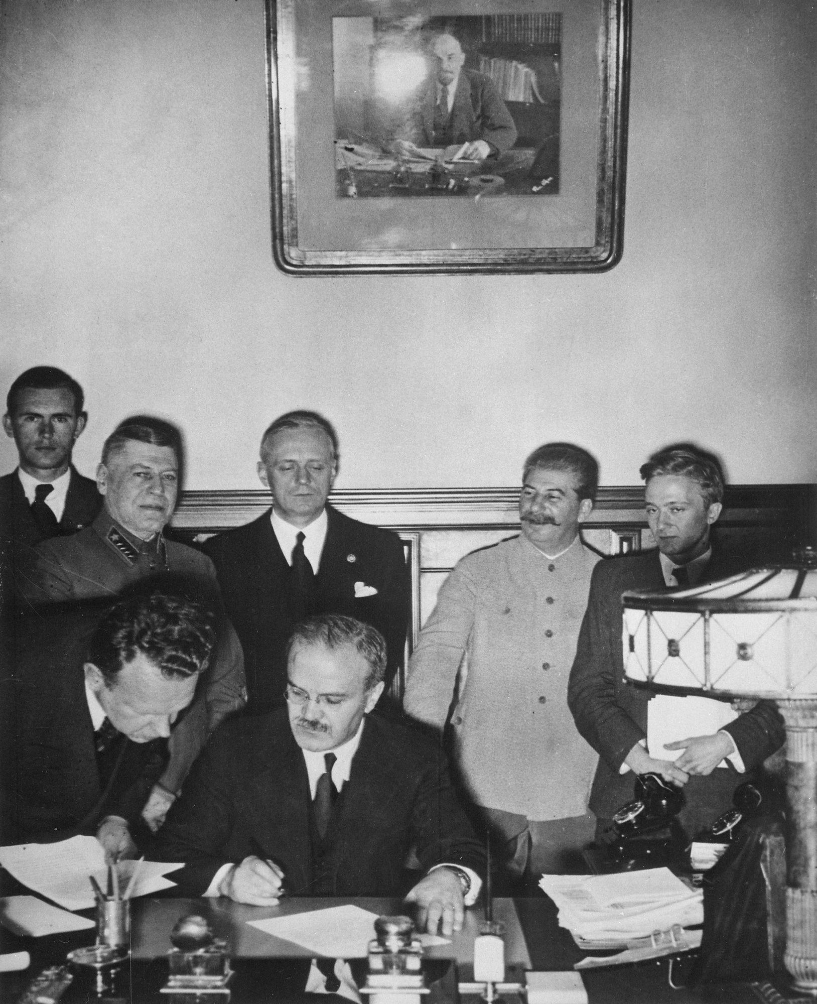 Ribbentrop mógł czuć się zszokowany, kiedy odkrył poczucie humoru Stalina.
