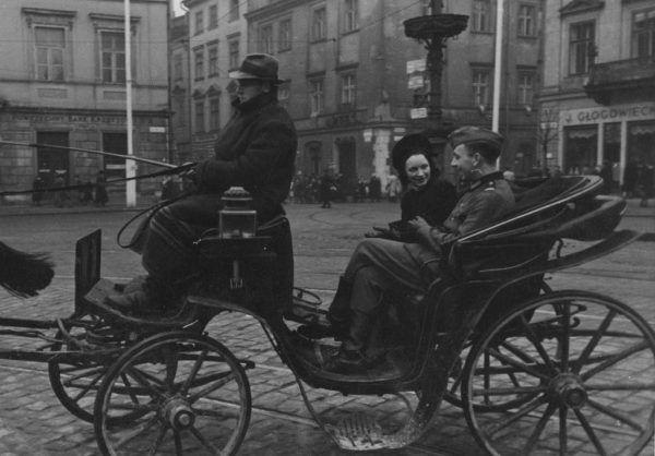 Polki, które utrzymywały zbyt zażyłe relacje z Niemcami musiały liczyć się ze zemstą rodaków.