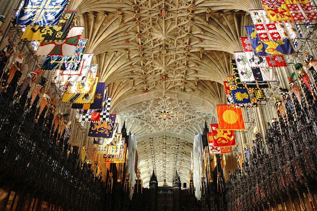 Kaplica św. Jerzego w Windsorze. To właśnie tam został pochowany król.