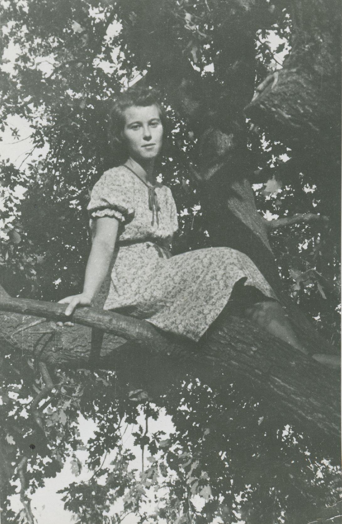"""Halina Chlistunow. Fotografia pochodzi z książki """"Dziewczyny wojenne"""" (Znak Horyzont 2017)."""