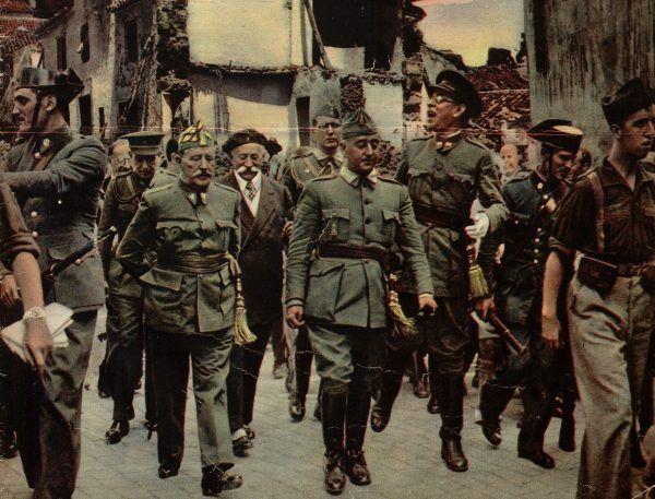 Betty zaczęła swoją przygodę ze szpiegostwem w trakcie hiszpańskiej wojny domowej. Na zdjęciu przywódca nacjonalistów generał Franco.