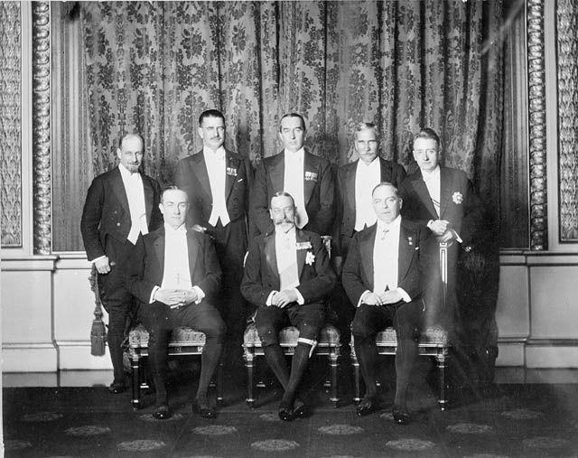 Jerzy V wraz z premierami Wielkiej Brytanii i jej dominiów na Konferencji Imperialnej, Londyn 1926 r.
