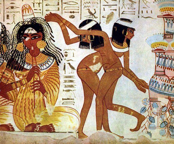 Nie wszystkie naścienne staroegipskie obrazy pokazują piękne kobiety tańczące i oddające hołd bogini. Niektóre z nich, ukryte w grobowcach znacznie głębiej, przedstawiają widoki zdecydowanie mniej estetyczne...