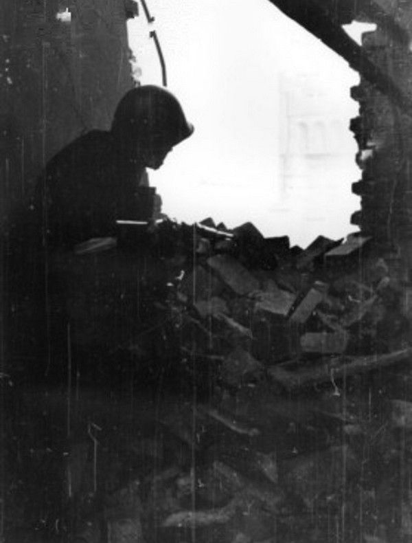 Niemieccy żołnierze byli pod wrażeniem determinacji z jaką walczyli powstańcy.