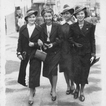 """Pod względem zagrożenia życia nie istniał w trakcie II wojny światowej podział na płci. Zdjęcie pochodzi z książki """"Dziewczyny wojenne"""" (Znak Horyzont 2017)"""