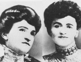 Całe życie słynnych sióstr Everleigh było iluzją. Nawet nazwisko zmyśliły. Niezaprzeczalny pozostaje jednak jeden fakt: na założonym przez siebie domu publicznym zbiły majątek! Na zdjęciu Ada (po lewej) i Minna (po prawej) Everleigh.
