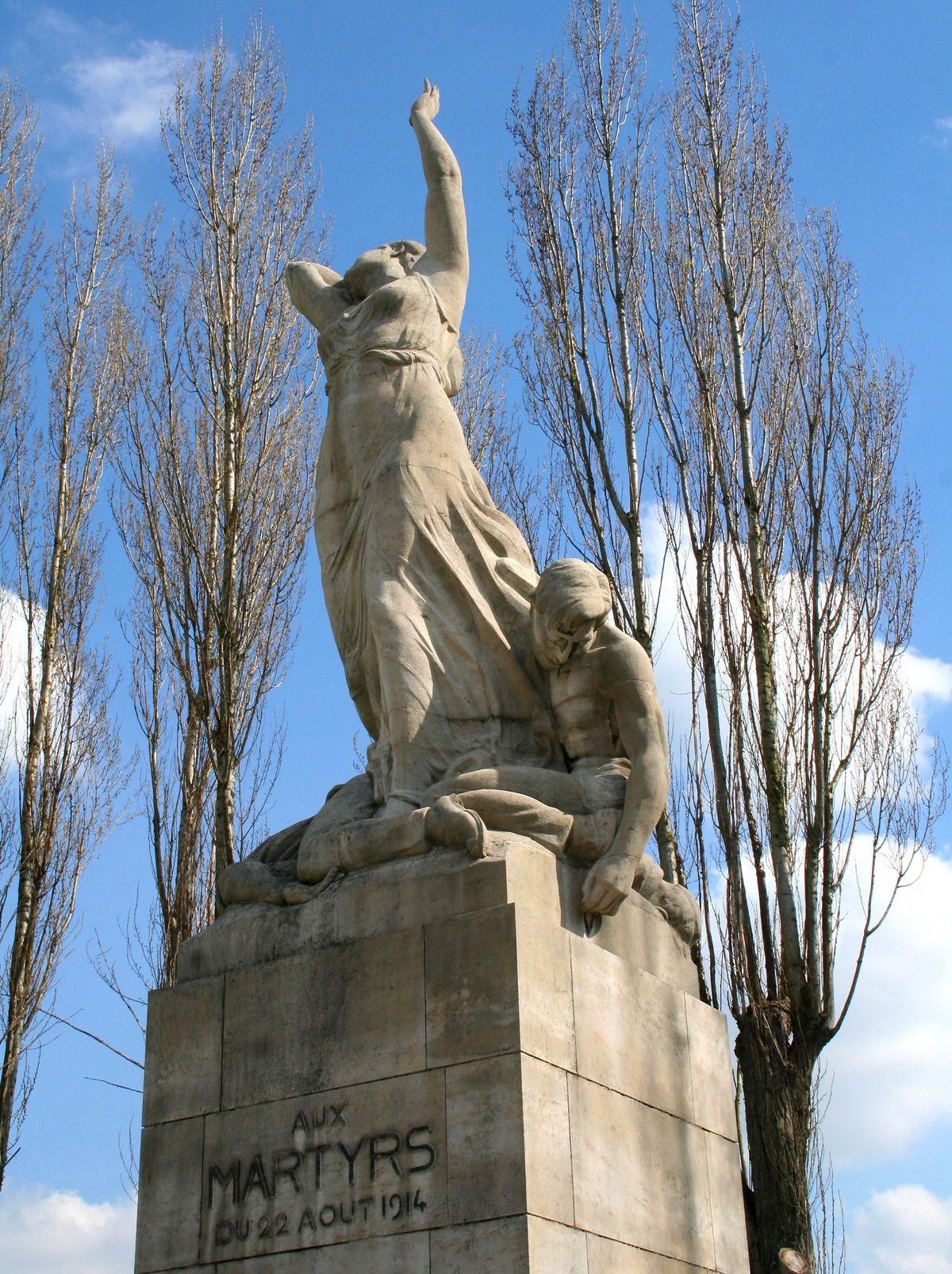 Pomnik upamiętniający ofiary masakry w Tamines.
