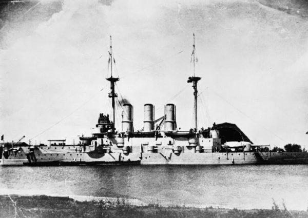 """Pancernik """"Potiomkin"""" w czasie rewolucji 1905 roku."""