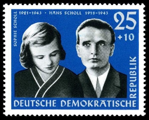 Efekty działalności grupy antynazistowskiej Biała Róża były cokolwiek mizerne. Wschodnioniemiecki znaczek z 1961 roku przedstawiający Sophie Scholl z bratem.