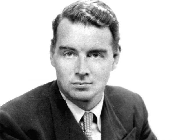 Guy Burgess był jednym z najsłynniejszych brytyjskich szpiegów. Na co dzień uchodził za wyrafinowanego angielskiego dżentelmena, a jednocześnie był niechlujem, nałogowym pijakiem i homoseksualistą. Ta barwna postać stała się bohaterem nie tylko licznych książek, ale i jedną z ikon brytyjskiej kultury popularnej.