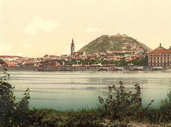 Hainburg na pocztówce z końca XIX wieku.