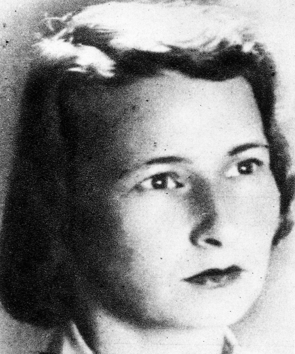 """Irena Bredel ps. """"Alina"""". Zdjęcie i podpis pochodzą z książki """"AK 75""""."""