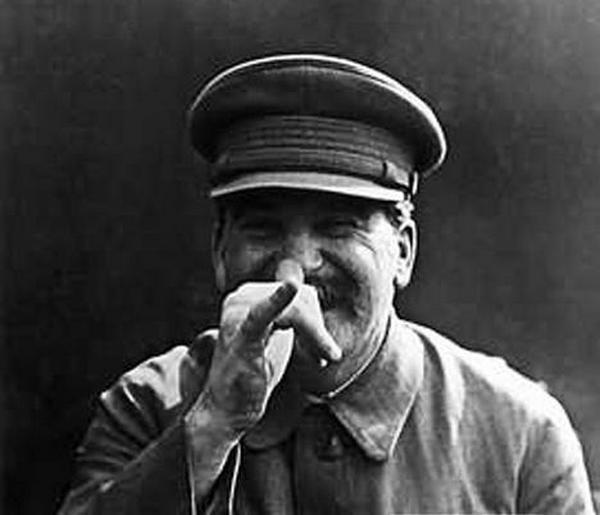 Ciekawe jaką minę miał Stalin gdy przekazywano mu kolejne kuriozalne pomysły sowieckich naukowców....