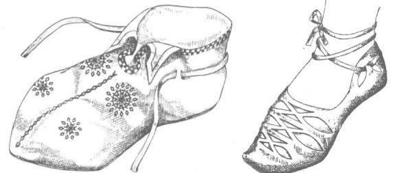 Damskie obuwie z Gdańska (XI-XII wiek) i z Opola (XI wiek).