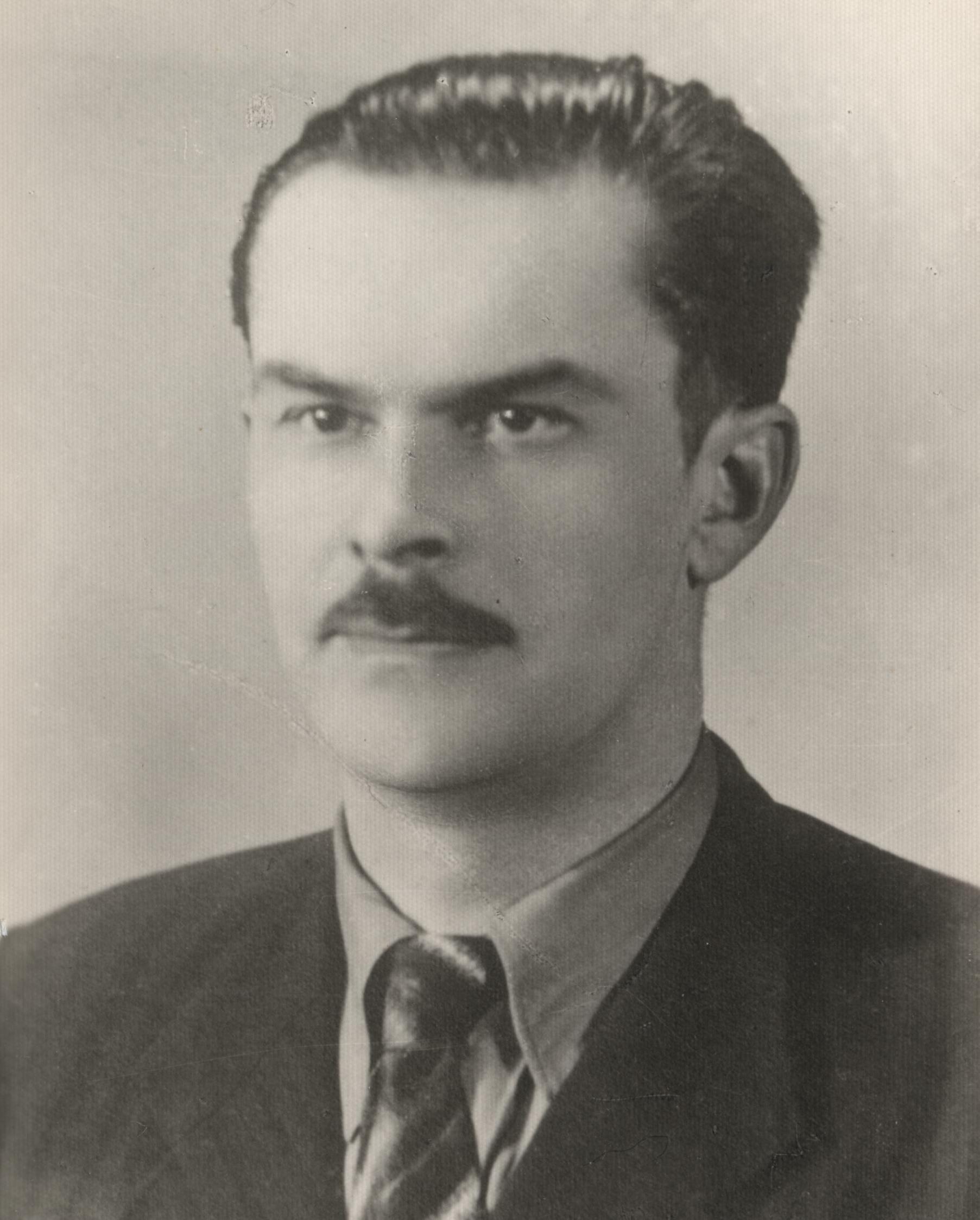"""Zbigniew Cerkowniak """"Boruta"""" zablokował butem drzwi, które strażnik zamierzał zatrzasnąć."""
