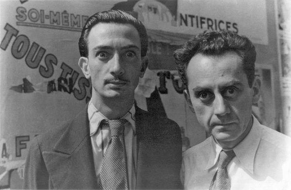 W 1934 roku Dali obracał się wśród największych artystów awangardowych swojej epoki, jak fotograf Man Ray. Kilka lat wcześniej, zanim poznał Galę, budził zdecydowanie bardziej mieszane uczucia.
