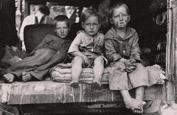 W biednych rodzinach każde kolejne dziecko mogło już oznaczać różnicę pomiędzy głęboką nędzą a śmiercią z głodu.