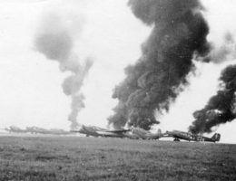 Płonące Junkersy Ju 52.