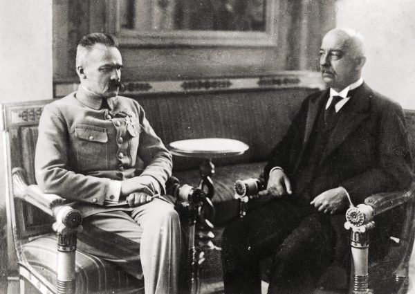 Józef Piłsudski i Gabriel Narutowicz dzień po wyborze tego drugiego na prezydenta.
