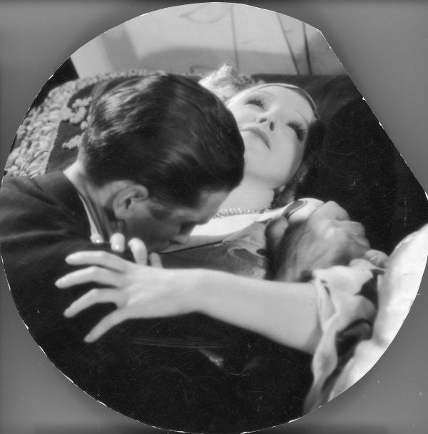 """Ordonka w filmie """"Szpieg w masce"""" (fot. domena publiczna)"""