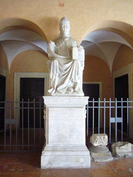 Pomnik papieża Bonifacego IX w bazylice św. Pawła za Murami.
