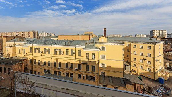 Lefortowo to obok Butyrek jedno z najbardziej znanych więzień w Moskwie, którego nazwa pochodzi od dzielnicy nazwanej na cześć Franza Leforta - rosyjskiego admirała i faworyta Piotra Wielkiego. W czasach ZSRR to tu przetrzymywano większość ofiar stalinowskiego terroru, także Polaków.