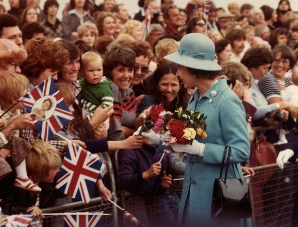 Samantha Reed była bardzo rezolutną dziewczynką. Miała już na koncie list do samej Elżbiety II. Na zdjęciu królowa podczas wizyty w Waszyngtonie w 1977 roku.