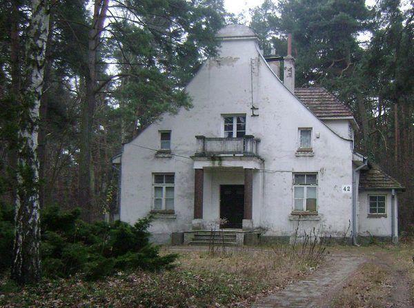 Po utracie władzy wcale nie został z pustymi rękami. Na zdjęciu dom Gomułki w okresie emerytury w Konstancinie-Jeziornie.