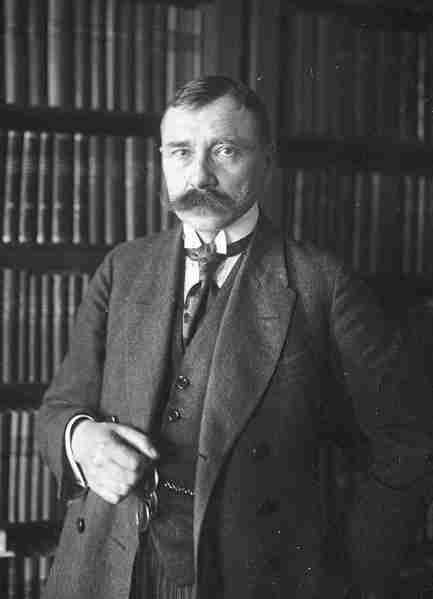 Były premier Artur Śliwiński. To on wyciągnął z Piłsudskiego wyznanie o planowanym samobójstwie.