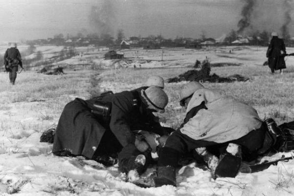 Niemieckie wojska nie były przygotowane na atak zimy i ugrzęzły pod Moskwą.