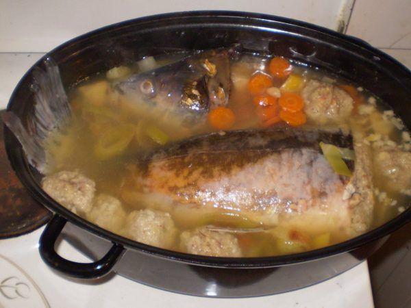 Wojenna ryba po żydowsku niewiele miała wspólnego ze współczesną jej wersją...