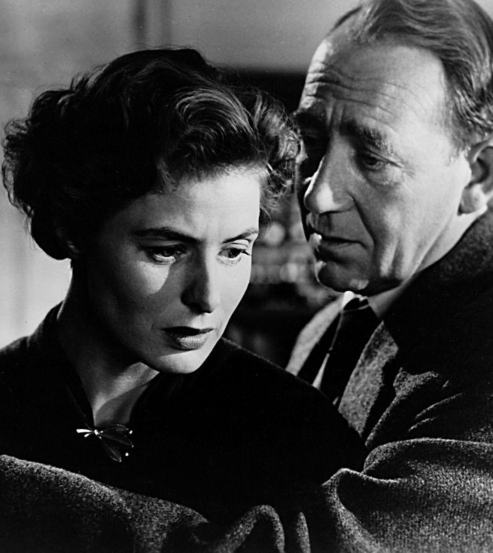 """Ingrid Bergman w jednym z filmów Rosseliniego, zatytułowanym """"Strach"""", z 1954 roku. Obok niej Mathias Wieman."""