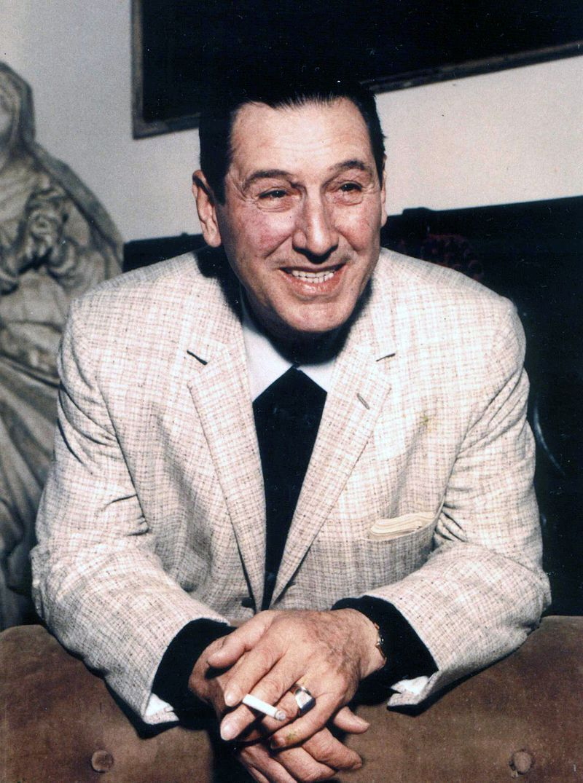 W 1947 roku Juan Domingo Perón utworzył Partię Peronowską, która głosiła program sprawiedliwości społecznej. W czasie swojej prezydentury stworzył w Argentynie państwo opiekuńcze w faszystowskim wydaniu: nie tylko wprowadził autorytarne rządy, ale i zniósł swobodę zrzeszania się i zlikwidował wolność pracy, a także ekskomunikował Kościół Katolicki. Zdjęcie Peróna z ok. 1973 roku.