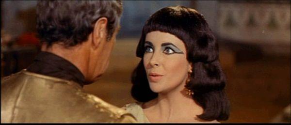 Liz Taylor jako Kleopatra w filmie z 1963 roku.