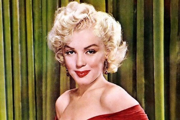 Choć Marilyn Monroe wzbudzała całe morze kontrowersji, na tej liście nie mogło jej zabraknąć.