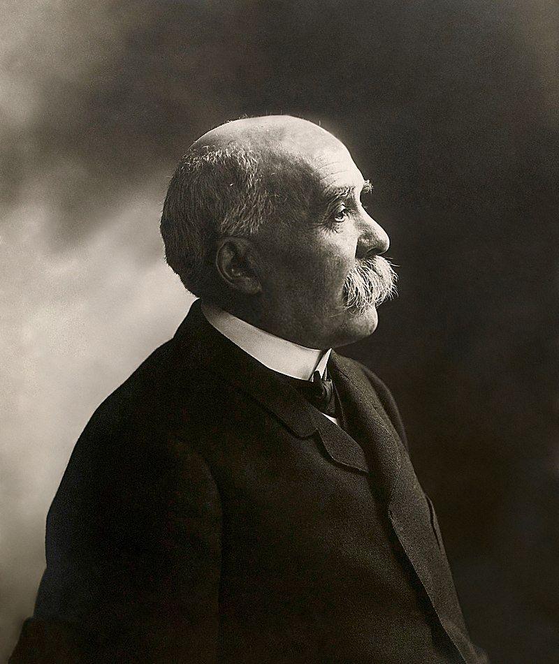Premier Francji, Georges Clemenceau, może nie kierował się sympatią do Polaków, ale jego niechęć do Niemców była dla nas bardzo korzystna.