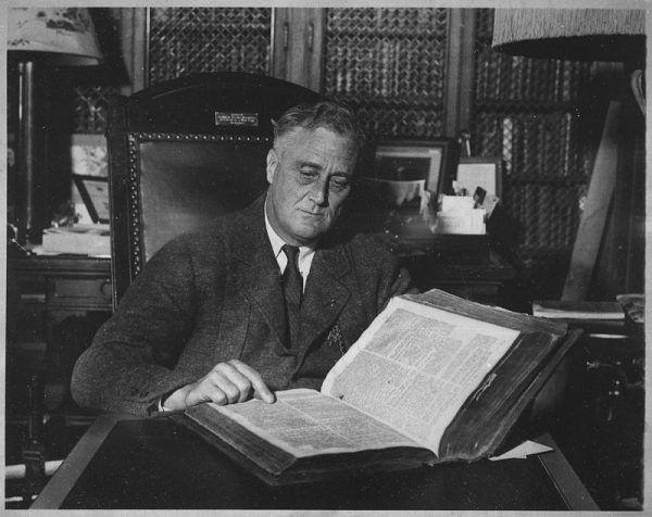 Prezydent Franklin Delano Roosevelt chciał, by USA przyłączyło się do wojny przeciw Hitlerowi. Interesy Polski były jednak dla niego sprawą drugorzędną.