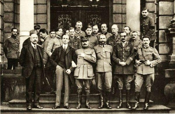 W 1919 roku generał Carton de Wiart znalazł się z misją aliancką we Lwowie.