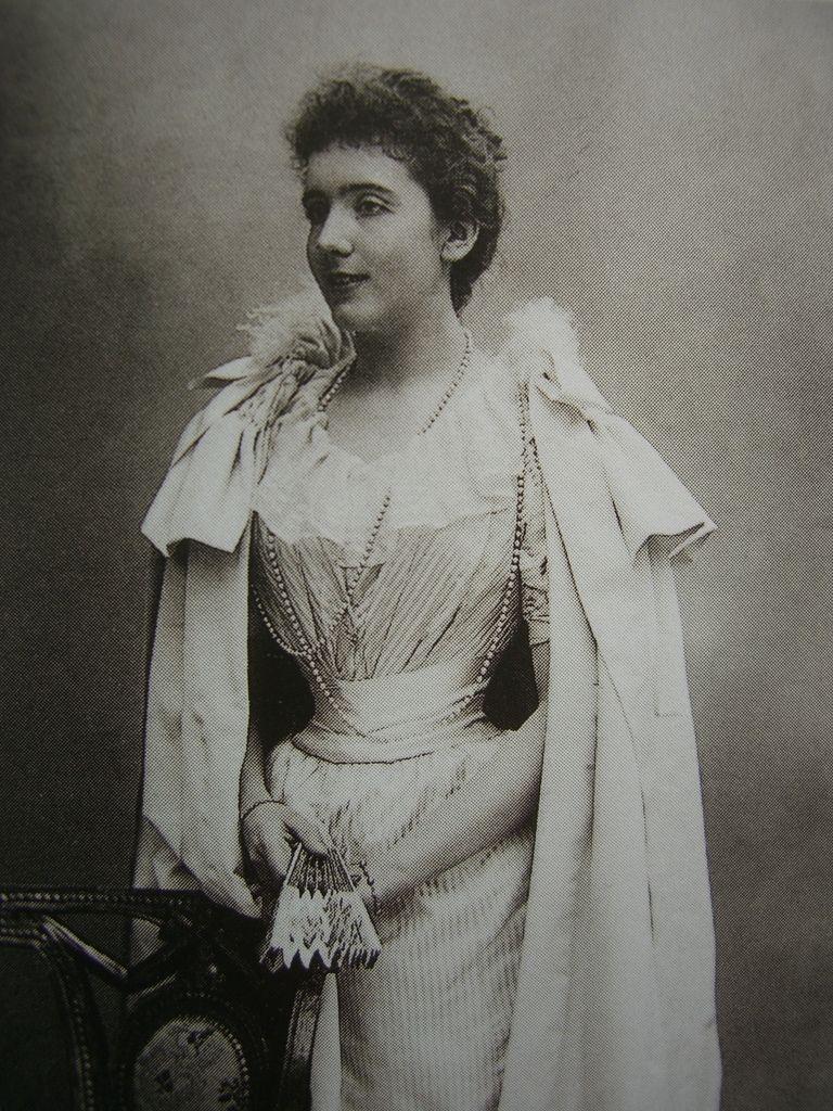 Maria de Benardaky w 1893 roku. Zanim została pierwszą żoną Michała Radziwiłła była pierwszą miłością samego Marcela Prousta. Mimo, że polski magnat miał u boku kobietę pożądaną przez wielu, nie tylko ją upokarzał, ale i bił.