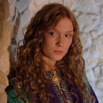 Marta Bryła jako Aldona Anna w serialu Korona królów