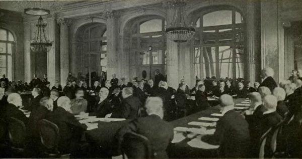 W trakcie obrad nad traktatem pokojowym po I wojnie światowej Clemenceau opowiadał się za utworzeniem silnej Polski.