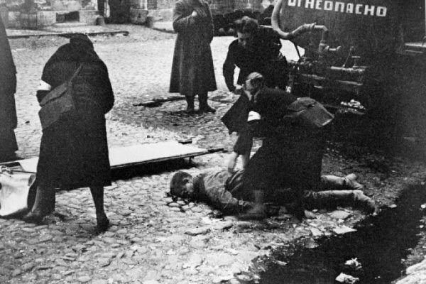 Pielęgniarki ratujące cywilów w oblężonym Leningradzie