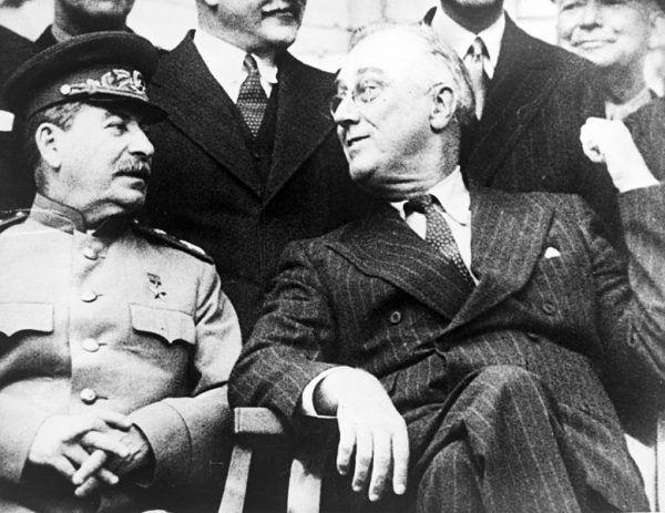 W trakcie konferencji w Teheranie Roosevelt spotkał się prywatnie ze Stalinem między innymi po to, by omówić sprawy polskich granic.