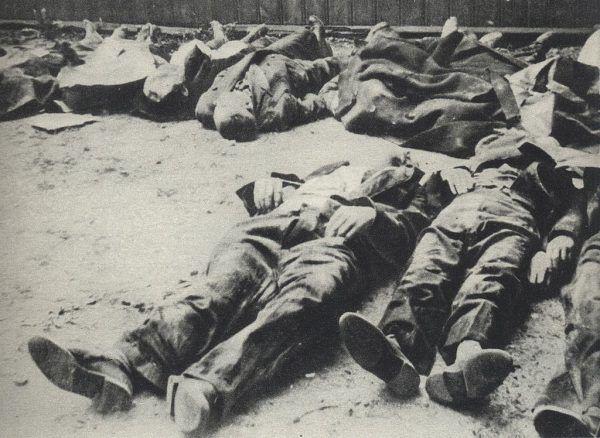 Cywile zamordowani na Woli. Według wspomnień Henryka Troszczyńskiego tak wyglądała cała dzielnica.