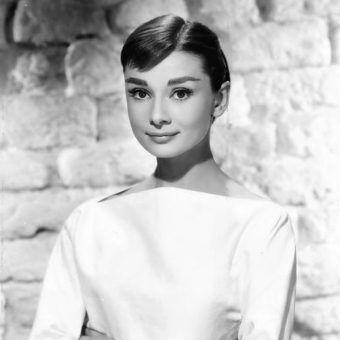 Jedną z ikon piękna i makijażu, o której opowiada Lisa Eldridge jestAudrey Hepburn (fot. domena publiczna).