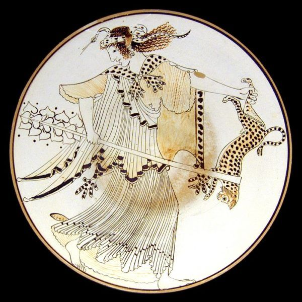 Obrzędy ku czci Dionizosa były okazją dla kobiet do nieprzyzwoitego zachowania, dzikich tańców i uczestnictwa w orgiach. Na ilustracja menada (czcicielka boga) na attyckim malowidle z V wieku p.n.e.