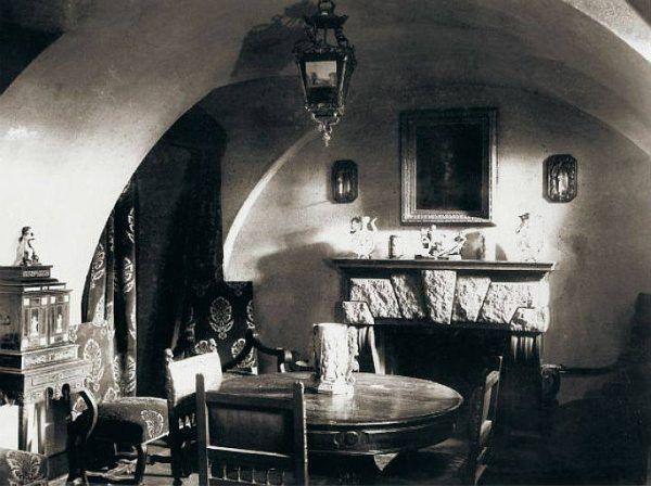 Przychodząc w odwiedziny do Jusupowa, Rasputin nie spodziewał się, że to będzie jego ostatnia wizyta gdziekolwiek.. Na zdjęciu wnętrze Pałacu Jusupowa, gdzie został zamordowany.